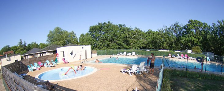 Camping dans le Lot avec piscine chauffée